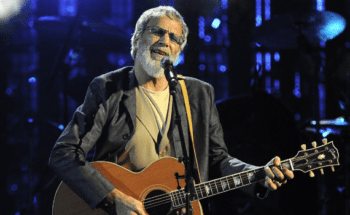 Yusuf Performs at Rock & Roll Hall of Fame 2014